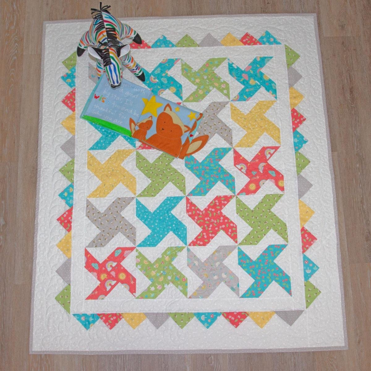 Water Wheel Quilt kit: Hello Sunshine