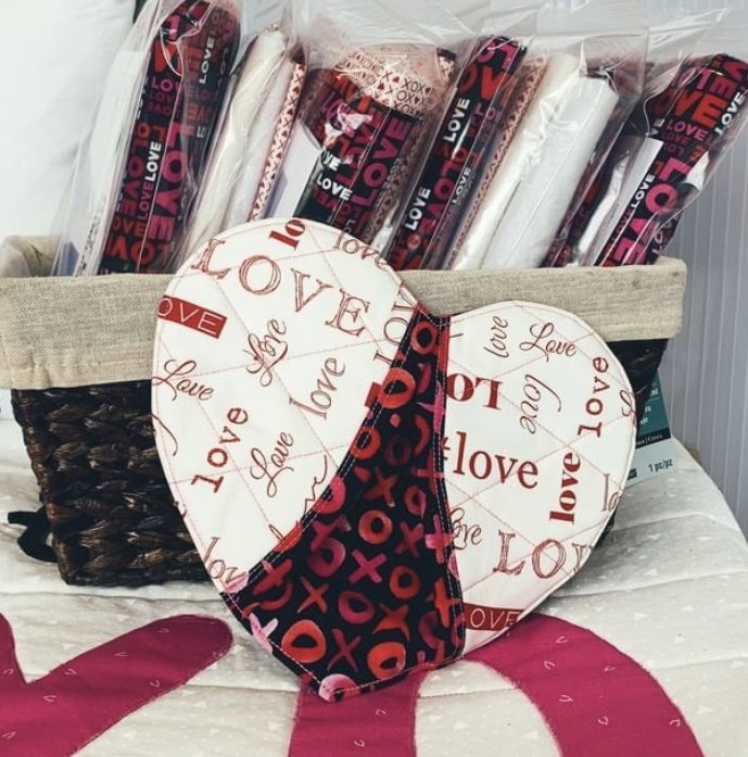Hot Love Potholder Pair Kit