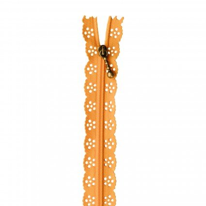 Kimberbell 14in Lace Zipper Apricot