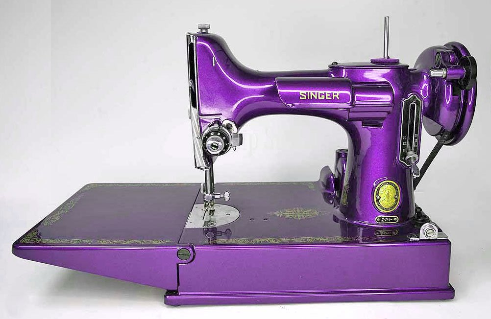 Singer Featherweight Machine, Repainted -- AM171083