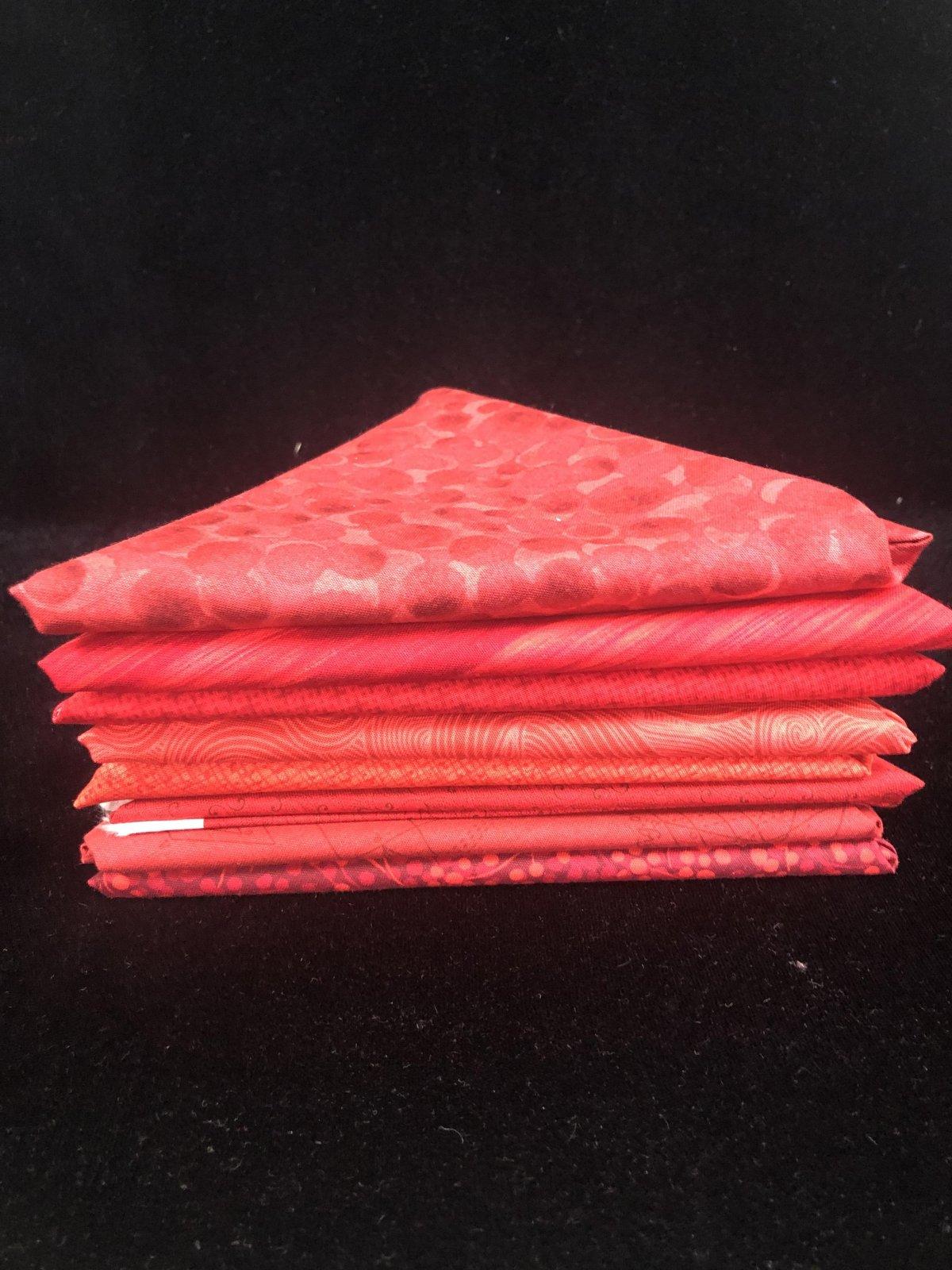 Radiant Reds Fat Quarter Bundle