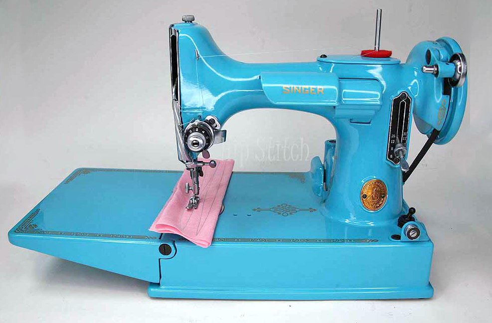 Singer Featherweight Machine, Repainted -- AG975394
