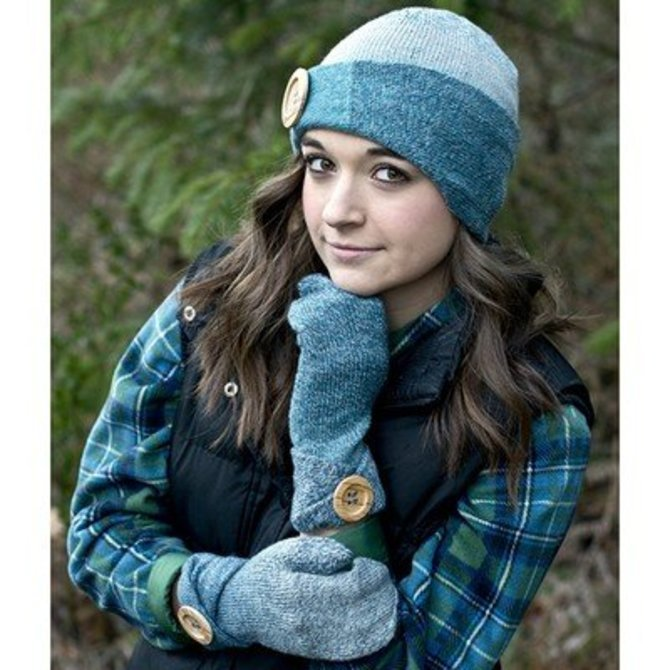 Heritage Wave Sock Hat & Mittens