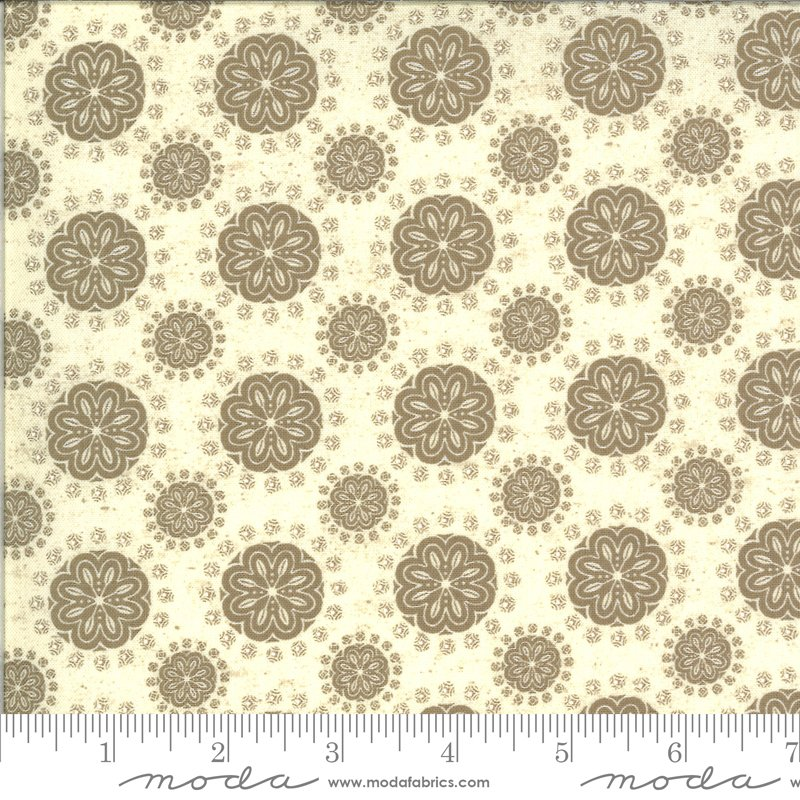 Maryland 7034-11 Linen Wheat by Kathy Schmitz Studios for Moda