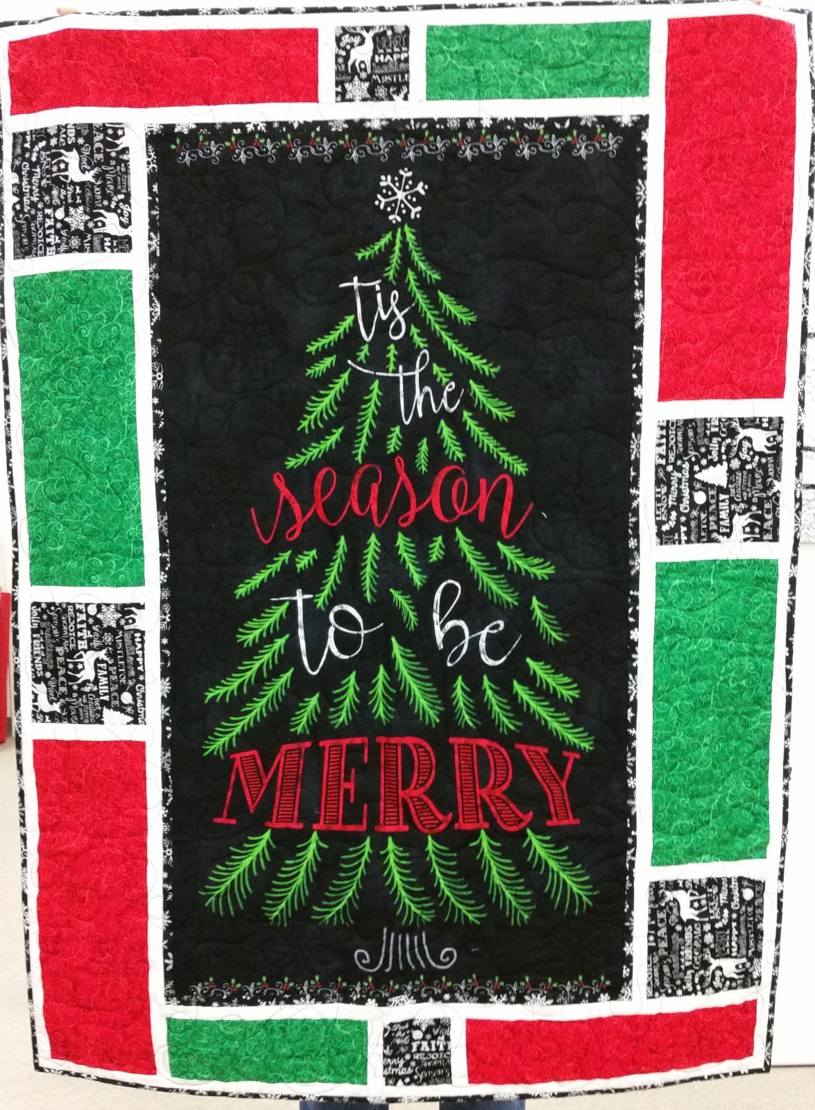 Tis the Season Quilted Wallhanging Kit