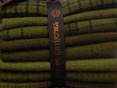 Wool Bundle Primitive Gatherings - Holly