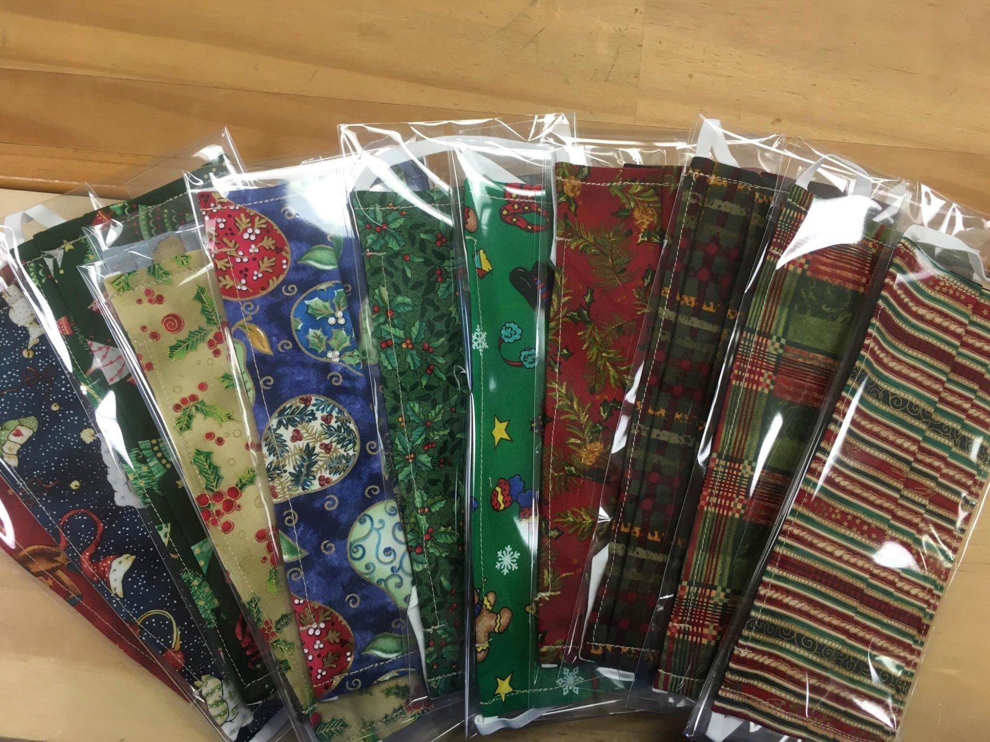 Mask - Cloth Pleated - Christmas Holiday Prints
