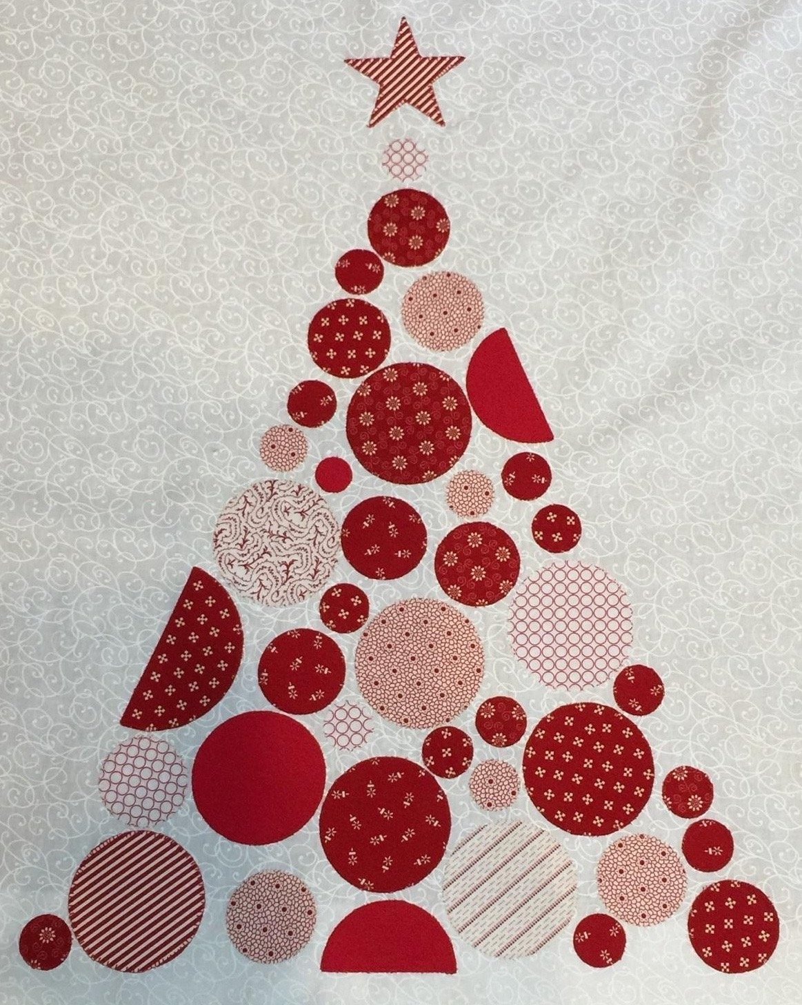 Christmas In July Applique Circle Tree Quilt