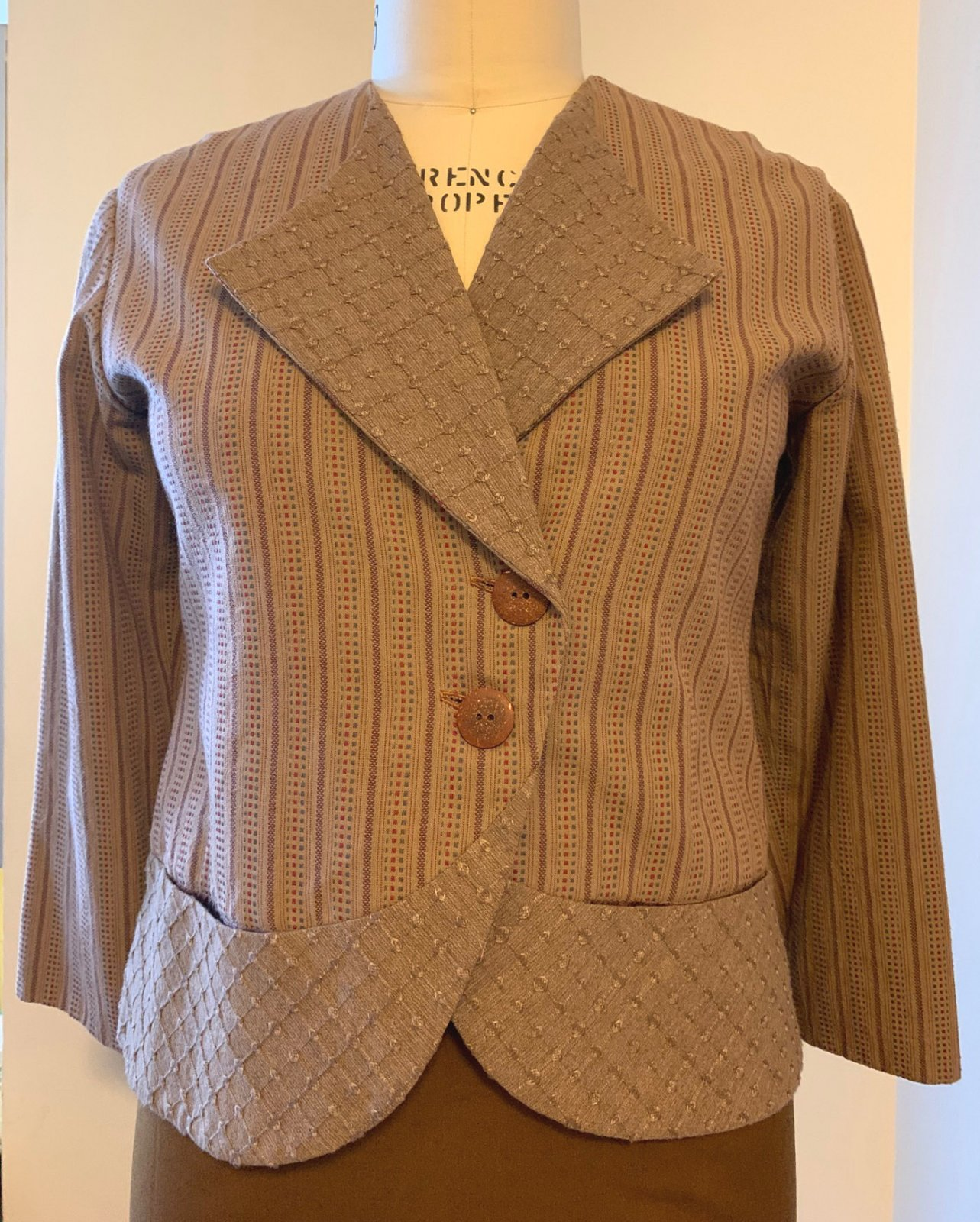 Brown City Wraps Jacket, Small