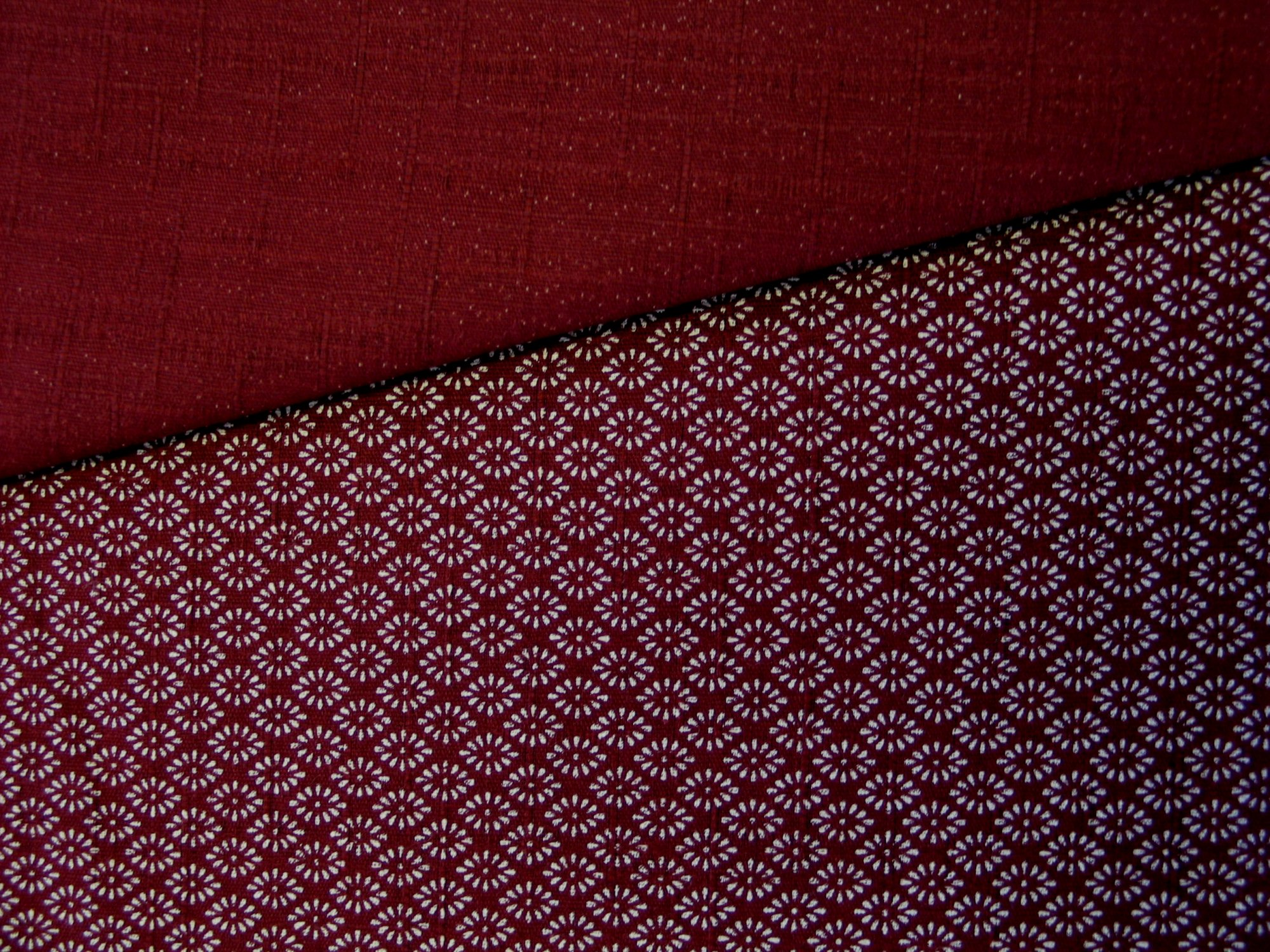 Maroon with small flowers/Solid Maroon