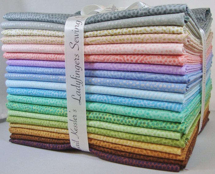 Dimples 2018 Fat Quarter Bundle