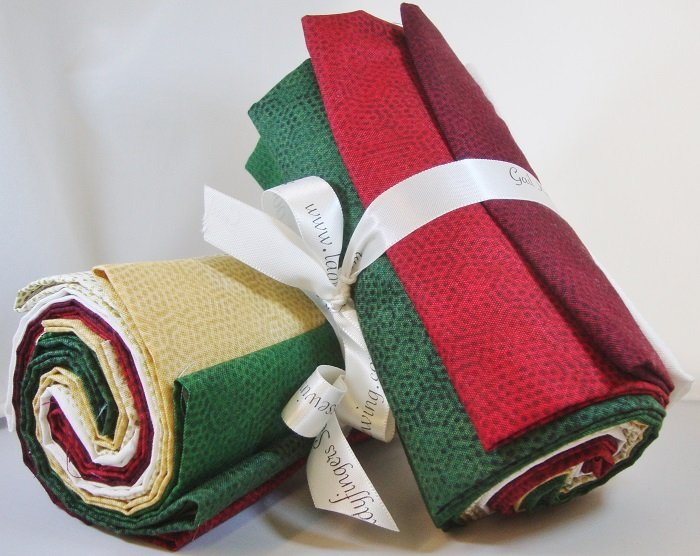 Dimples Christmas Fat Quarter Bundle