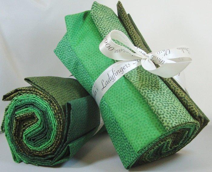 Dimples Dark Green Fat Quarter Bundle