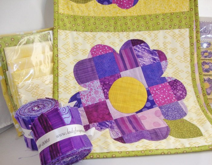 Patchwork Pansy Roll Table Runner Kit