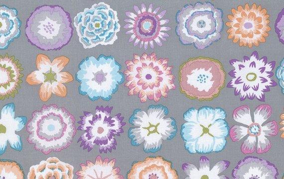 Kaffe Fassett Collective - Button Flowers - Grey PWGP152.GREYX