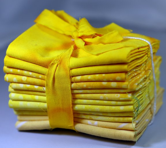 Sunshine Fat 6th Bundle - 1 Yard (6 - 12 x  21 Pre-Cuts)