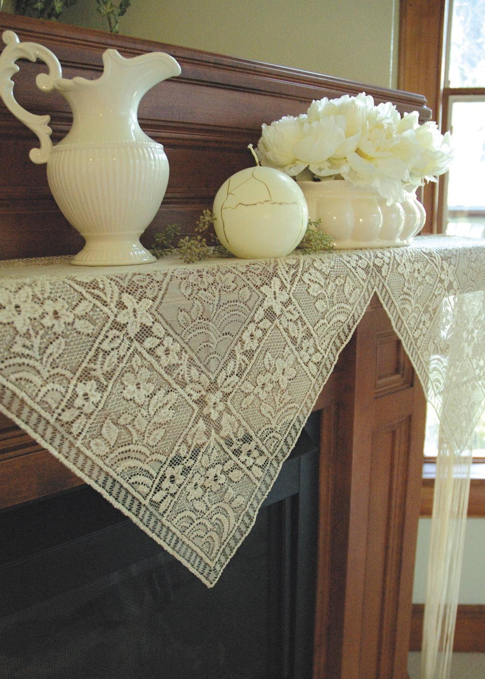 HERITAGE LACE CHANTILLY MANTLE SCARF