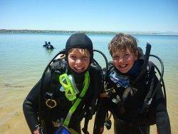 Kids diving Aurora