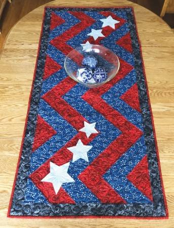 Cut Loose Stars and Stripes Table Runner