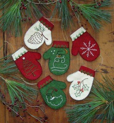 Mittens Ornament Woolfelt Pattern Kit
