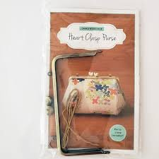 Heart Clasp Purse with Clasp!
