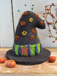CWC_618 Witch Hat Pin Keep