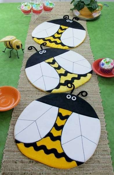 Bee Happy - place mats table runner or table topper