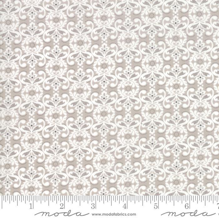 Moda Stiletto Small Medallions - Silver  (min. order 1 m)