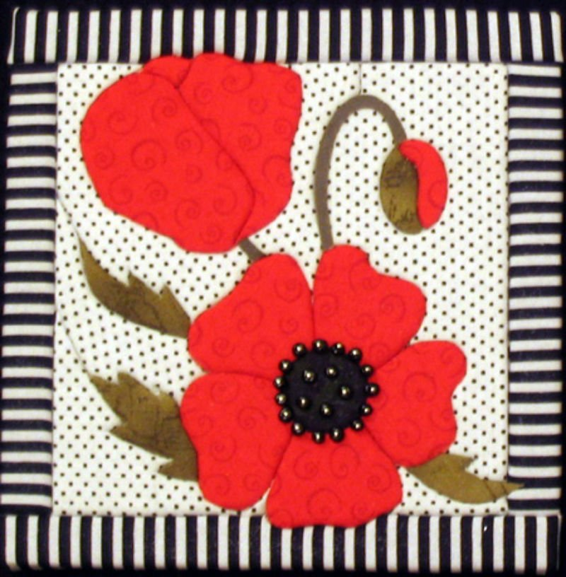 Poppy - No Sew Quilt Wall Hanging 6 x 6
