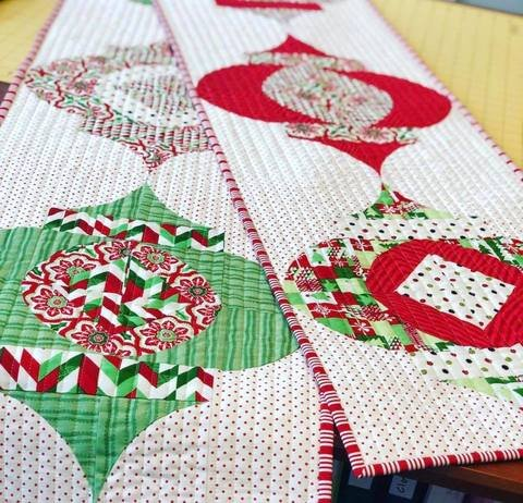 FREE Digital Download - Mod Ornament Quilt Pattern - Sew Kind Of Wonderful