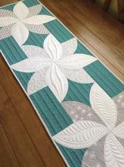 FREE Digital Download - Fun Poinsettia Quilt Pattern - Sew Kind Of Wonderful