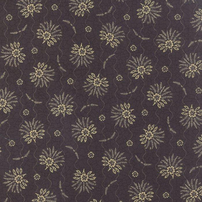 6071 11 Sturbridge Black Floral Spray