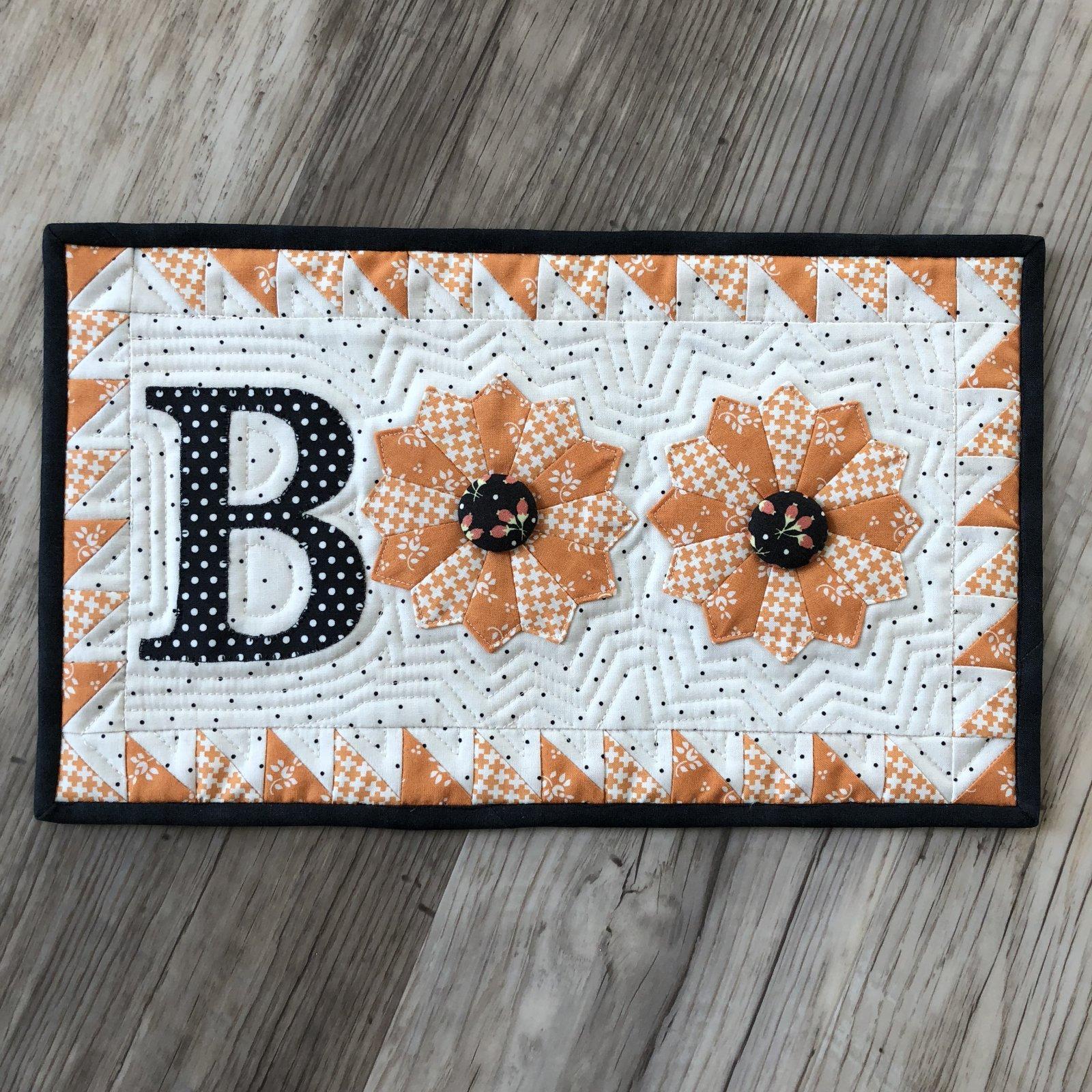 BOO!  mini quilt kit