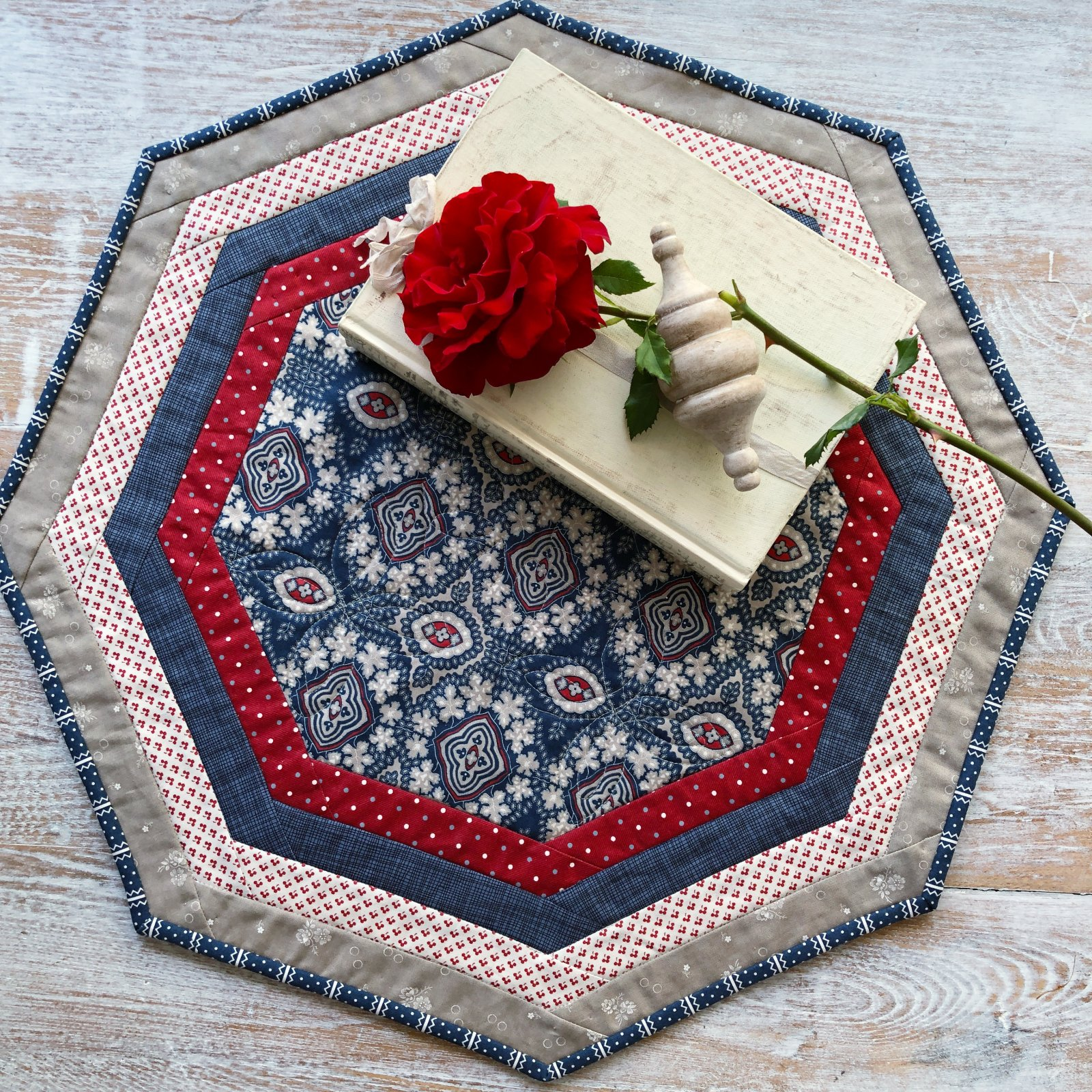 Centerpiece Tablemat - Minick & Simpson