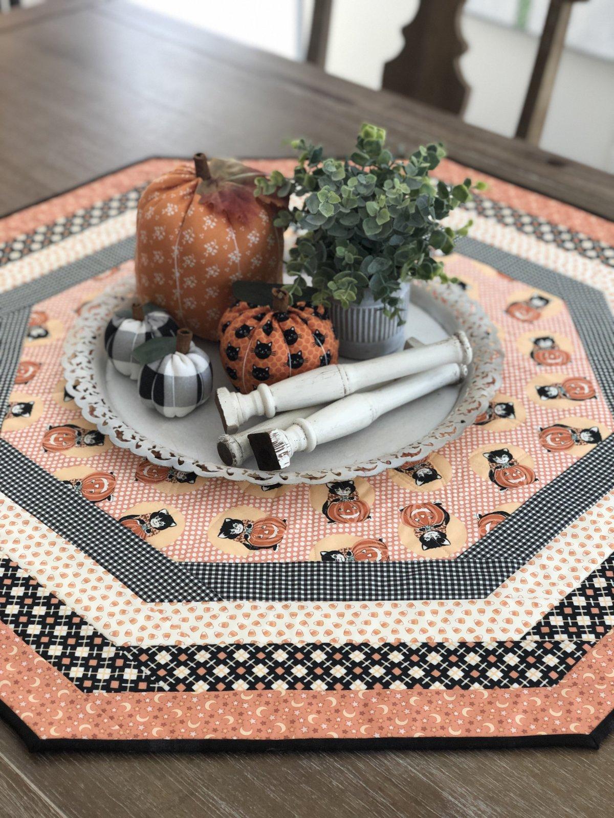 Centerpiece Tablemat Kit/Kitty Corn