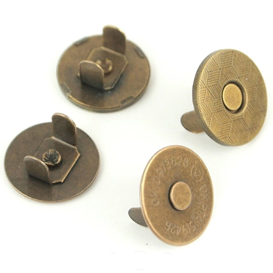 Magnetic Snaps - 1/2
