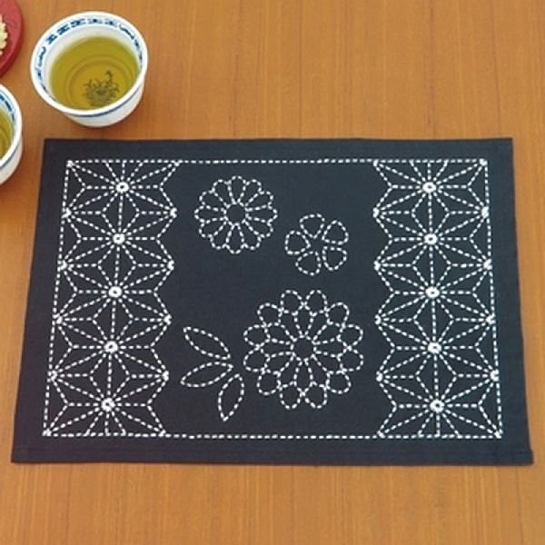 Sashiko Kit - Placemat - Asanoha & Chrysanthemum