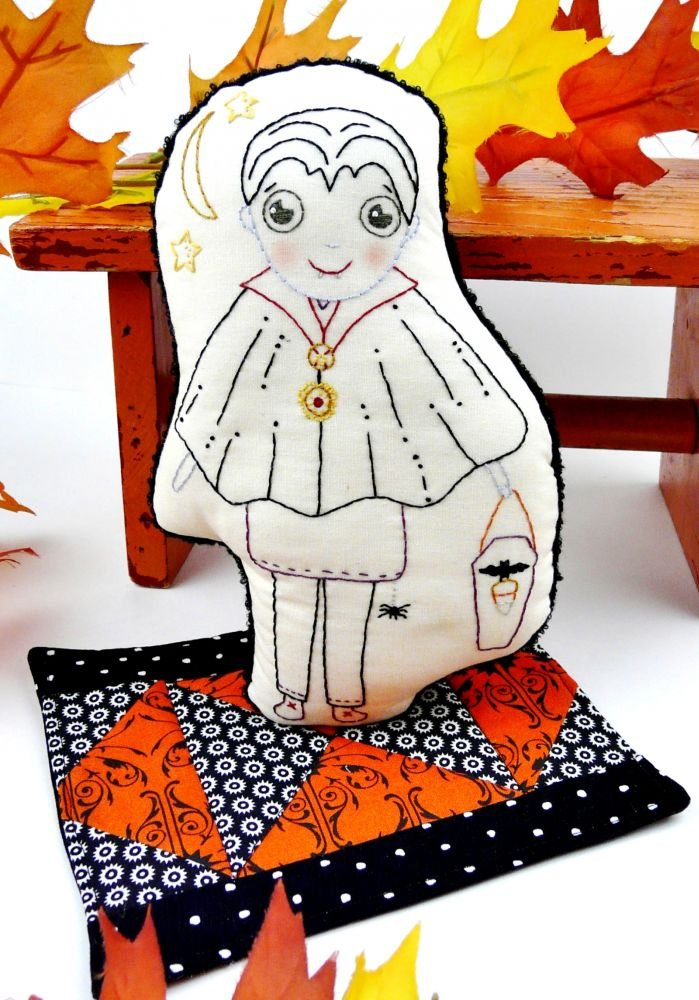 Hudson's Holidays - Halloween Dracula Doll & Mini Quilt