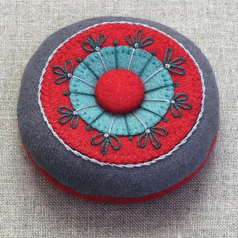Pincushion Kit - Circles & Stitches