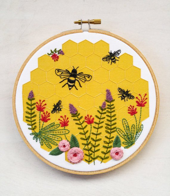 Cozyblue - Bee Lovely Embroidery Kit