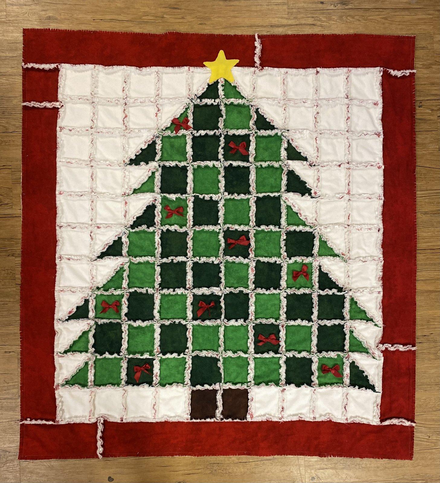 Christmas Tree Rag Quilt Kit