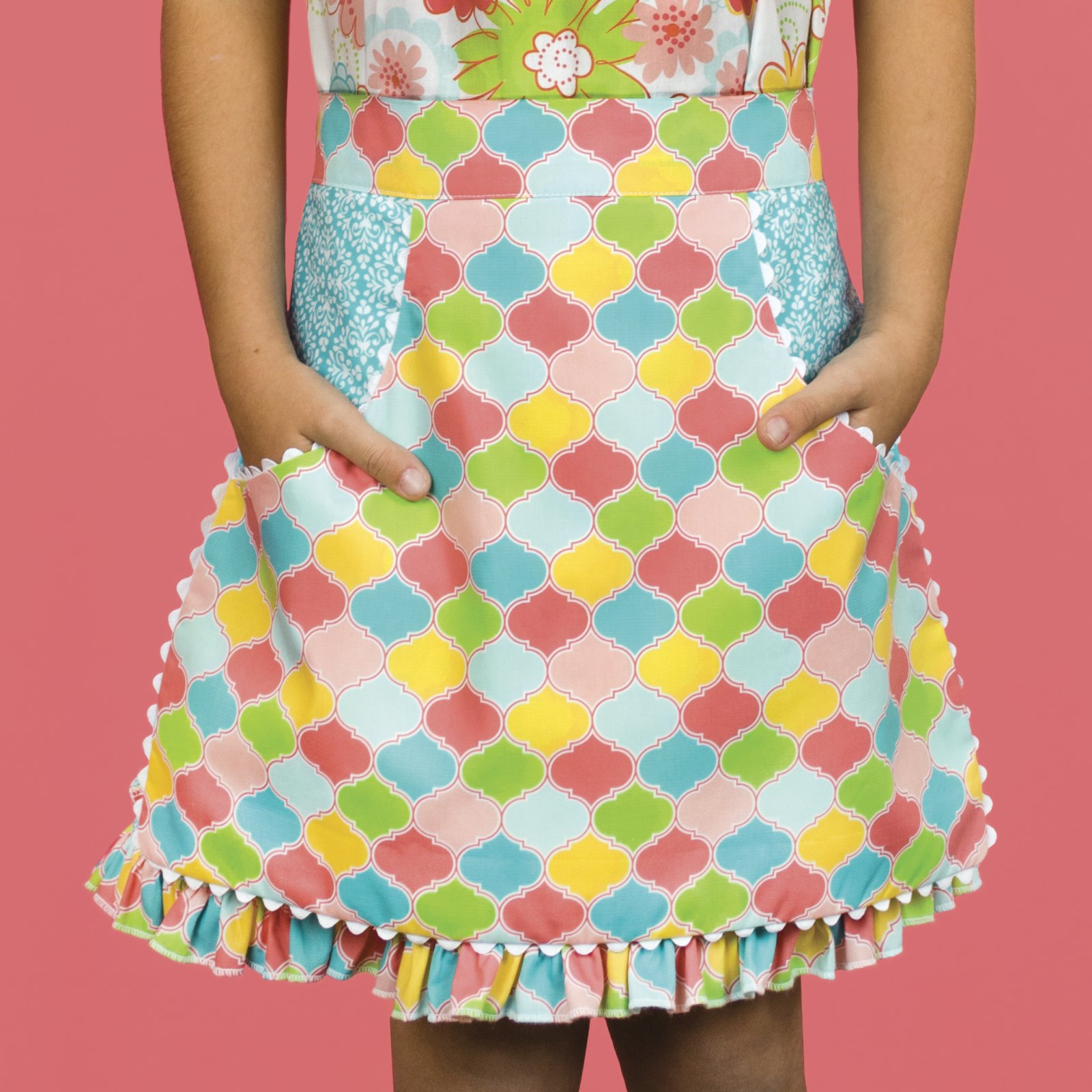 Little Dress Boutique II - Side Pocket Apron