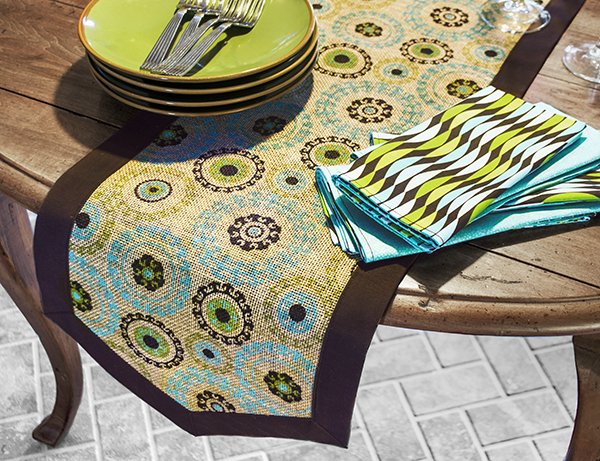 Table Runner and Reversible Napkins