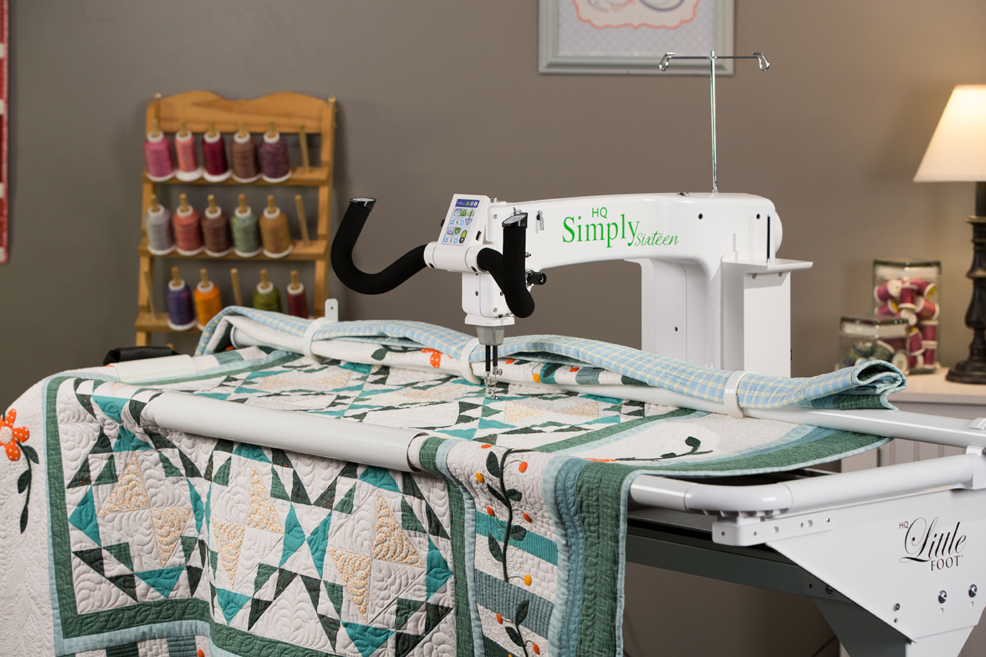 Handi Quilter Simply 16