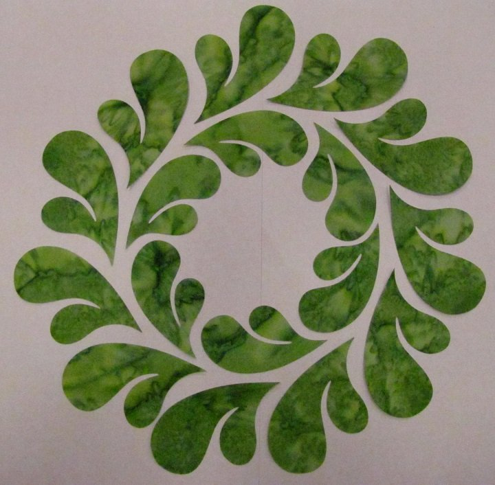 Pre-Cuts: 10.5 inch Feathered Wreath Block with Green1 Feathers