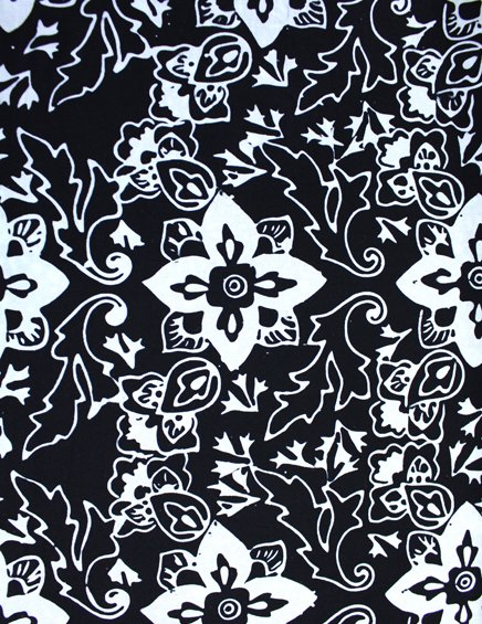 7404 Batik Flowers white on black