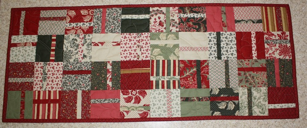 Charm Pack Table Runner Pattern - RRQ Original