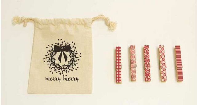 Clothespins Holiday Merry Merry