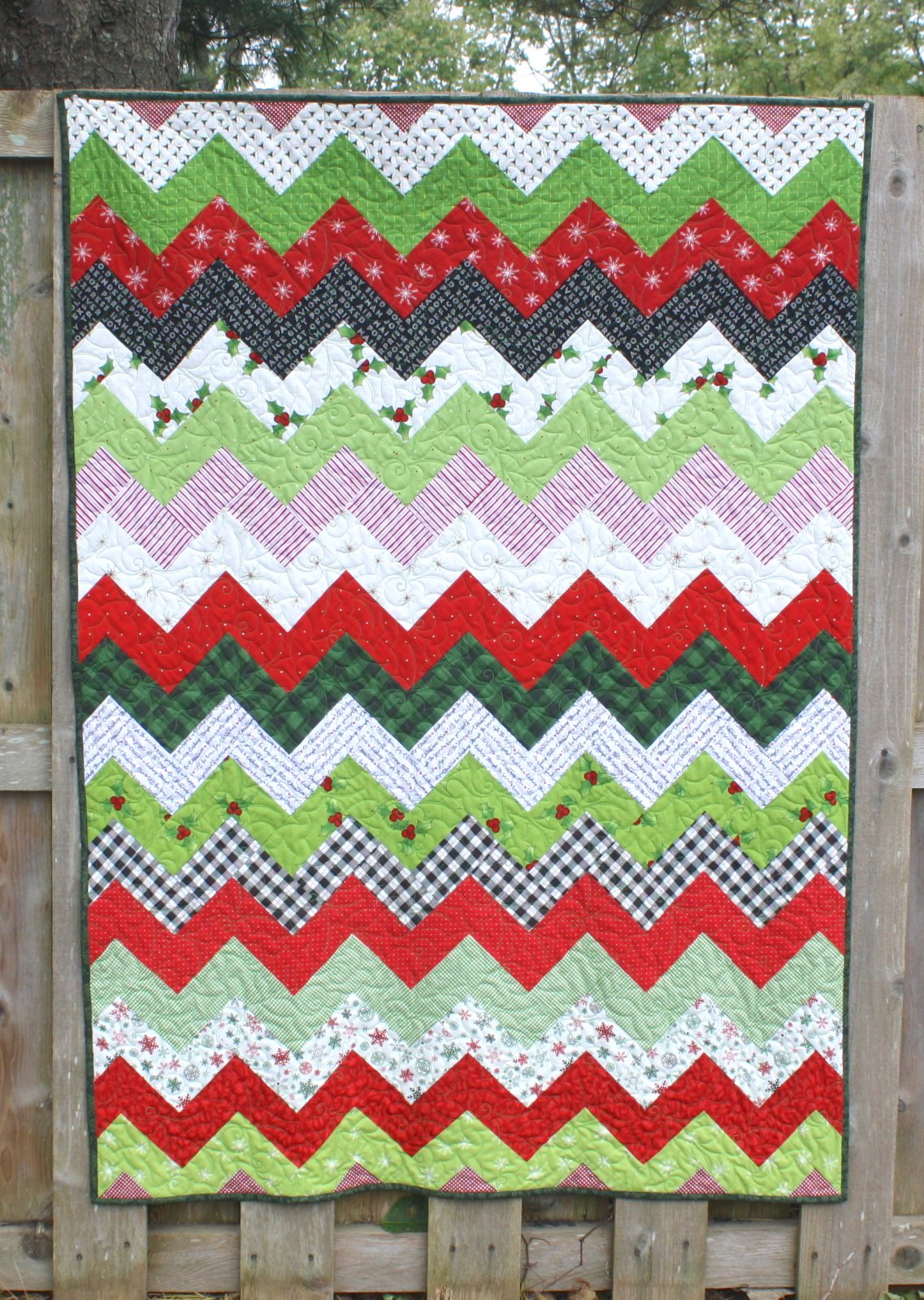 Holiday Sidestep Quilt Pattern - RRQ Original