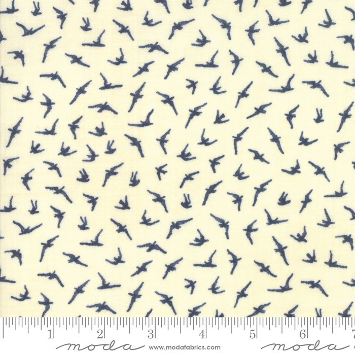 Moda | Ebb and Flow 1481 19 Pearl Seagulls by Janet Clare